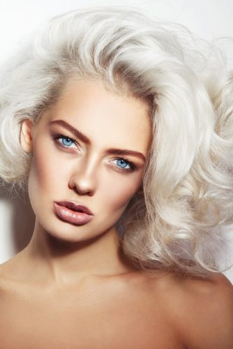 model with platinum blond hair
