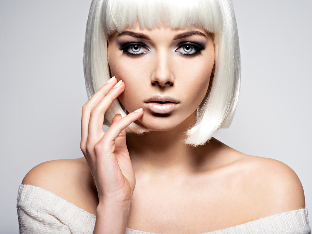 model with platinum blond bob haircut